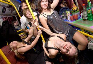 Веселые девичники в баре на колесах